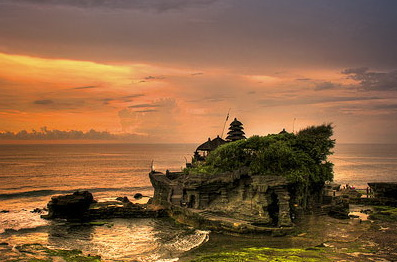 sunset pura agung tanah lot